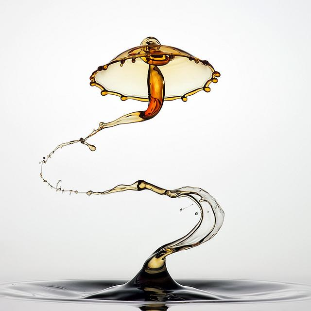 30 Spectacular Liquid Splashes by Markus Reugels | inspirationfeed.com