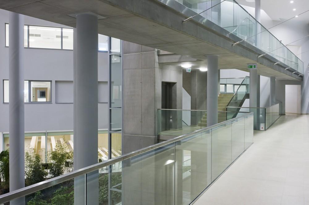 In Vitro Diagnostic Centre / Peter Kovacs DLA + Istvan Lengyel In Vitro Diagnostic Centre / Peter Kovacs DLA, Istvan Lengyel – ArchDaily