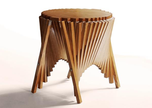Rising Side Table by Robert van Embricqs » Yanko Design