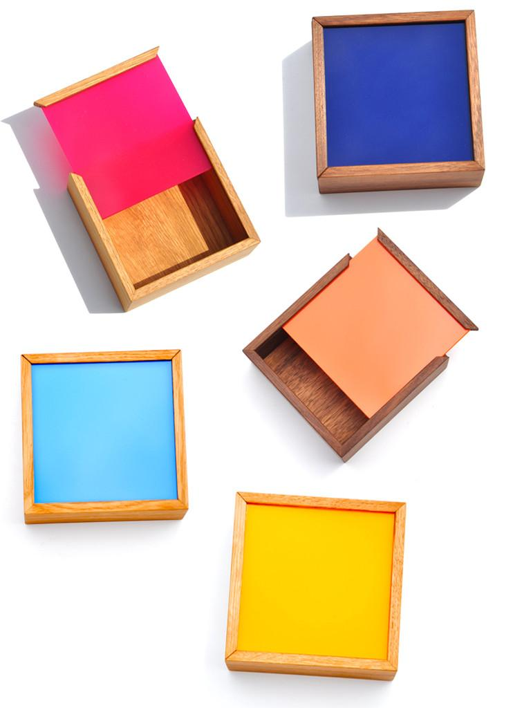 Nunabee Square Color Chip Box | LEIF
