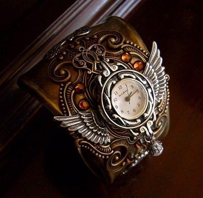 Steampunk_Cuff_Bracelet_4_by_Aranwen.jpg (400×390)