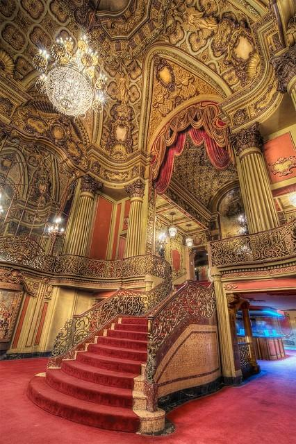 Travel / Los Angeles Theatre