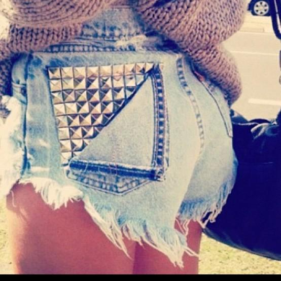 Google Bilder-resultat for http://diykawaii.files.wordpress.com/2012/06/studded-shorts-back-pocket.jpg