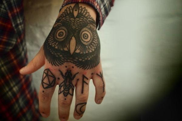 Gallery - Category: Top 20 Knuckle Tattoos - Image: Top 20 Kunckle Tattoos