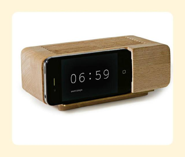 littlebigbellstyle: i-phone dock and clock