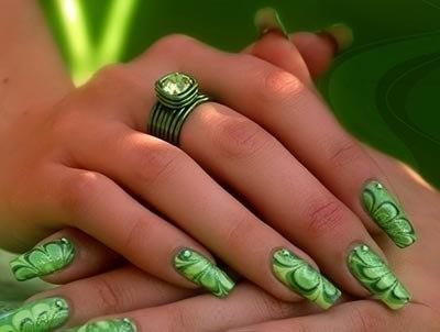 green heart nails - StyleCraze