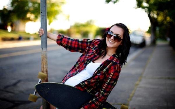 women,brunettes brunettes women trees skateboards sunglasses versus roadside 2560x1600 wallpaper – women,brunettes brunettes women trees skateboards sunglasses versus roadside 2560x1600 wallpaper – Trees Wallpaper – Desktop Wallpaper