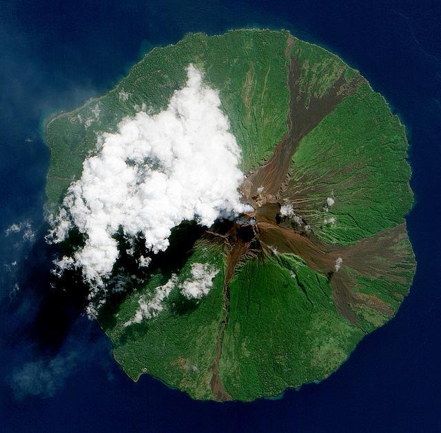 Manam Volcano, Papua New Guinea | Flickr – Condivisione di foto!