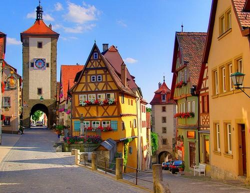 C l a s s y-in-the-city (sunsurfer: Scenic Village, Rothenburg, Germany ...)