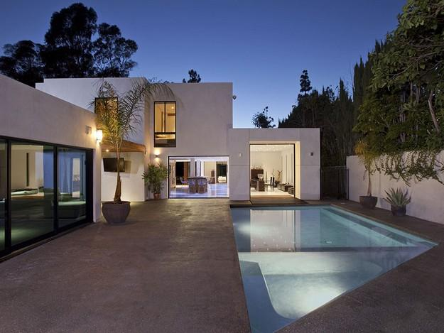A stunning architectural home in Beverly Hills   Interior Design and Architecture