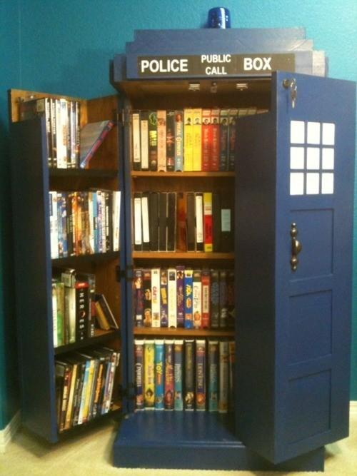 Home Sweet Home / O.M.G. Doctor Who bookcase - WANT
