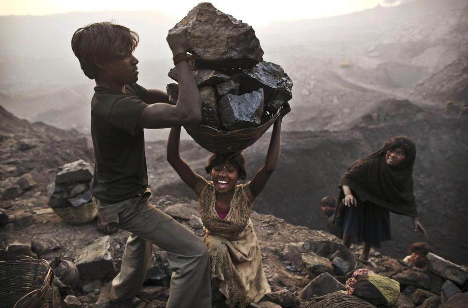 Photos: The Coal Scavengers – - PlogPlog Photo Blog