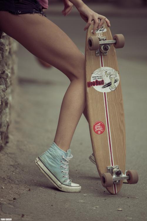 Girls in Chucks (Converse)