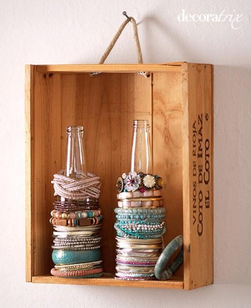 How To Organize Bracelets | The Posh Space