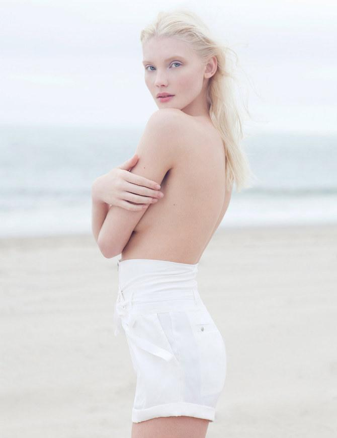 Paul De Luna – Beach Woman « Whitezine | Design Graphic & Photography Inspirations