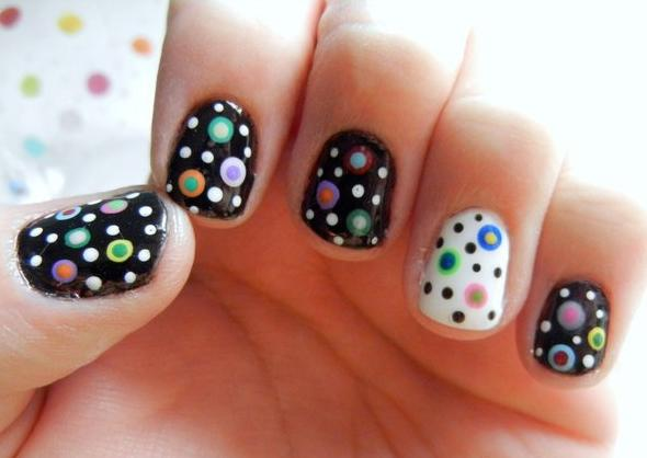 CRAZY DOT NAILS - StyleCraze