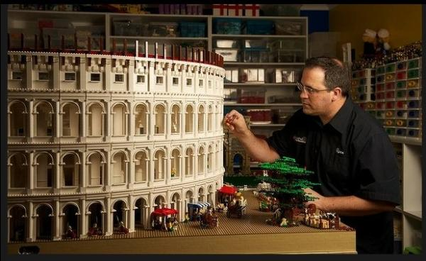 Incredible Lego Colosseum by Ryan McNaught | Who Designed It?