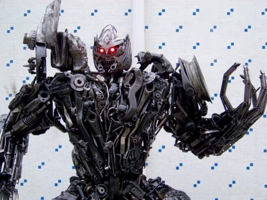 Greenbuilding: transformers-robots-built-out-of-recycled-scrap-metal | Squamish
