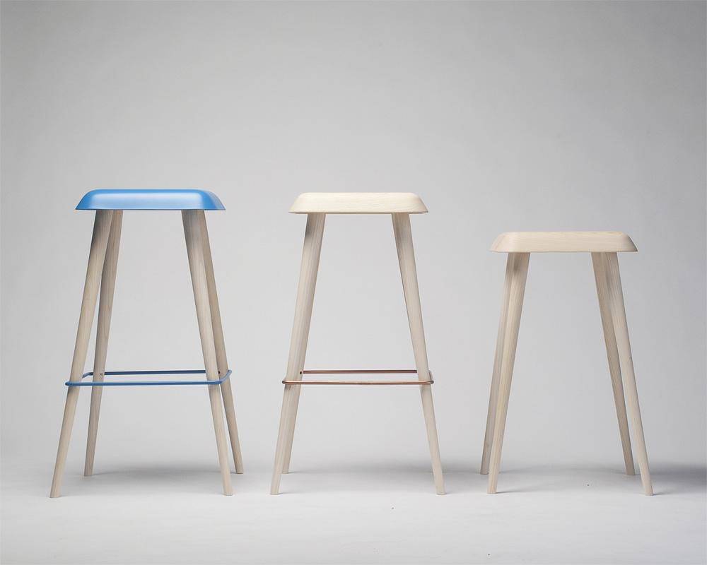 http://mocoloco.com/fresh2/upload/2011/08/daddy_longlegs_bar_stools_by_martin_solem/daddy_longlegs_bar_stools_martin_solem_2b.jpg