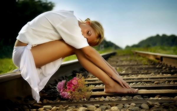 blondes,legs blondes legs women nature artistic flowers feet barefoot railroad tracks white dress 1440x900 wal – flowers Wallpapers – Free Desktop Wallpapers