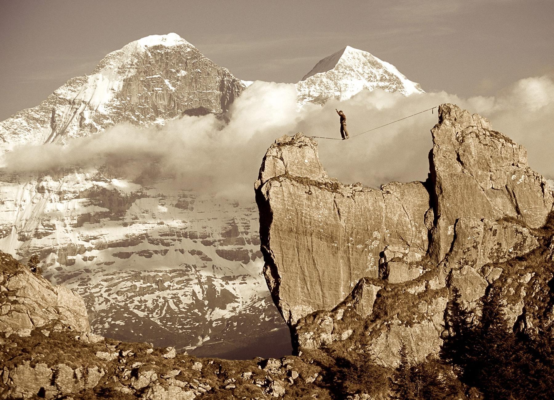 Stephan Siegrist, Profi Alpinist & Basejumper - Willkommen