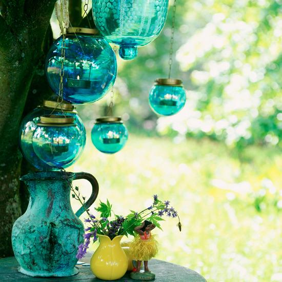 5-10-looks-for-outdoor-lighting-Glass-lanterns.jpg (JPEG Image, 550 × 550 pixels)