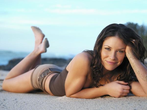 women,brunettes brunettes women beach sand evangeline lilly smiling 1600x1200 wallpaper – Beaches Wallpapers – Free Desktop Wallpapers