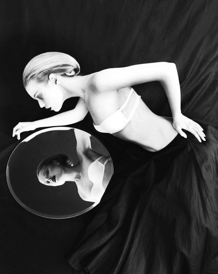 'Mirror, Mirror' | Dasha Zharova By Nikolay Biryukov For F.G.R. | July 2012 « The Libertine