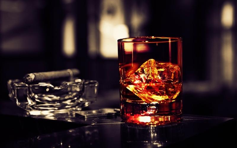 smoking,glass smoking glass whiskey wine selective coloring cigars ice cubes 1920x1200 wallpaper – smoking,glass smoking glass whiskey wine selective coloring cigars ice cubes 1920x1200 wallpaper – Selective coloring Wallpaper – Desktop Wallpaper