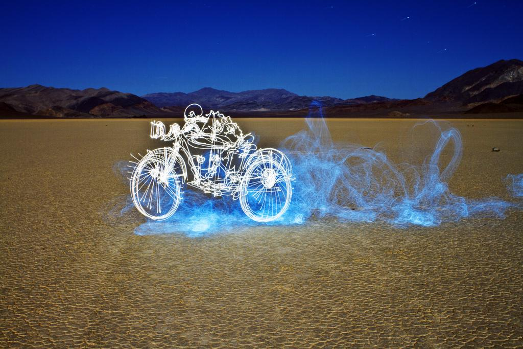 Impressive Light Graffiti by Darren Pearson | Daily Inspiration