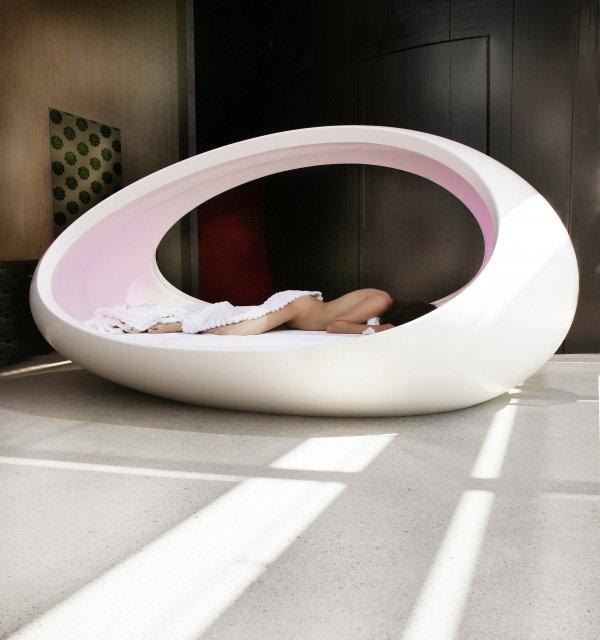 Fancy - Egg Bed by Lomme