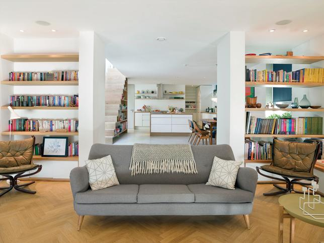 collectors-choice-living-room.jpg (644×483)