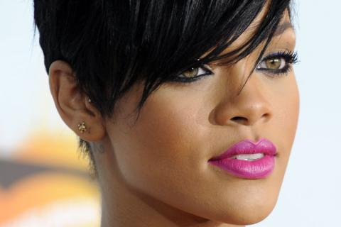 ????????? ?????? Google ??? http://trikky.ru/files/2011/08/rihanna-closeup.jpg