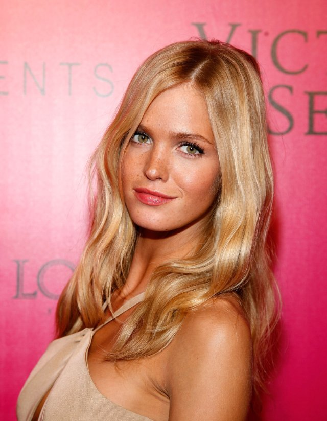 Pictures & Photos of Erin Heatherton - IMDb