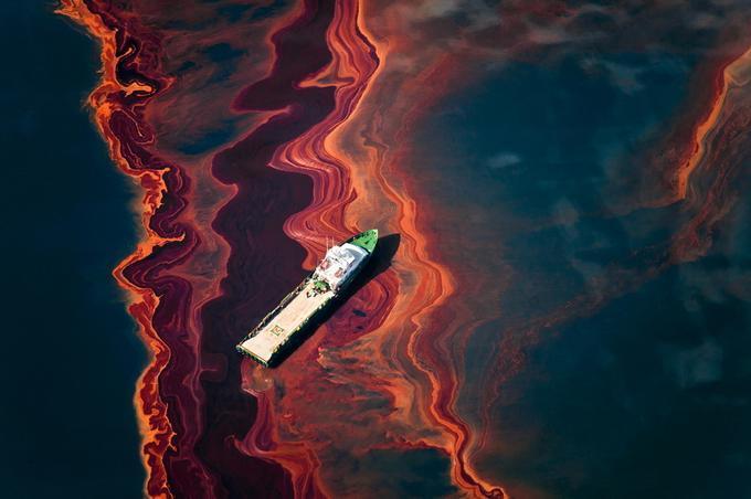 Spill by Daniel Beltra