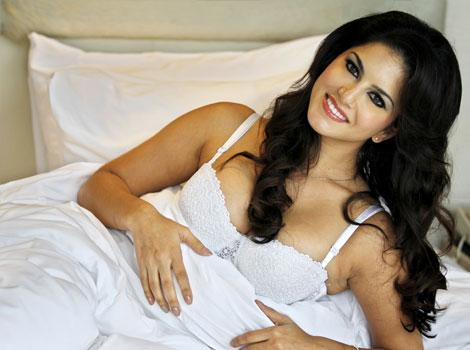Sunny Leone lead | SNOW WHITE! Sunny Leone seduces in lingerie | Photos Entertainment | - hindustantimes.com