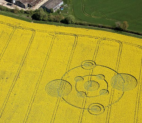 Crop Circle at Water Eaton Copse, Nr Hannington, Wiltshire. Reported 12th May 2012.