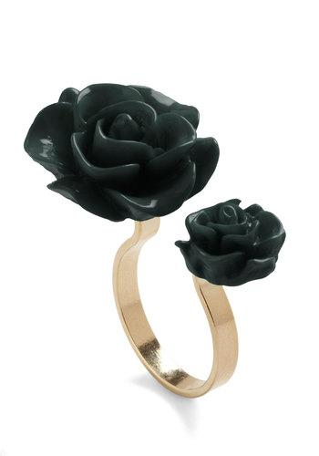 Retro Rosie Ring in Black | Mod Retro Vintage Rings | ModCloth.com