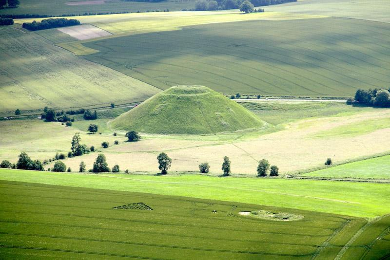 Crop Circle at Waden Hill, Nr Avebury, Wiltshire. Reported 1st July 2012.