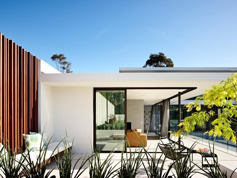 Grand Designs Australia - Series 2-Episode 1: Brighton Sixties  |  LifeStyle Channel