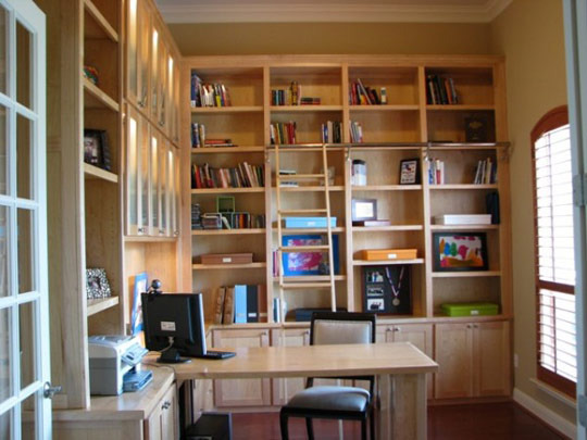 Bibliophilia: Combining Library with Home Office | Apartment Therapy Unplggd