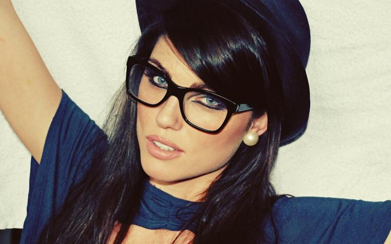women,brunettes brunettes women blue eyes photography models glasses louise cliffe hats girls with glasses 2560x1 – women,brunettes brunettes women blue eyes photography models glasses louise cliffe hats girls with glasses 2560x1 – photography Wallpaper – Desktop Wallpaper
