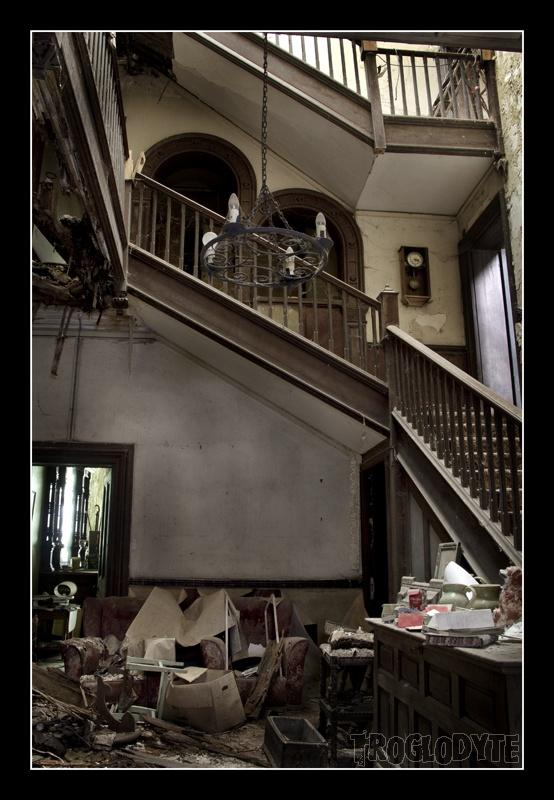 Abandoned & forlorn / Report - Highland Manor - Pic Heavy, June 2012