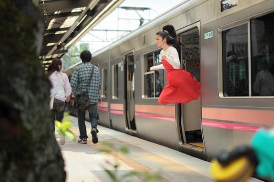 Natsumi Hayashi - Tokyo's Levitating Girl | Oddity Central - Collecting Oddities