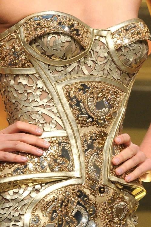 Mint Tea & Honey (Versace Couture.)