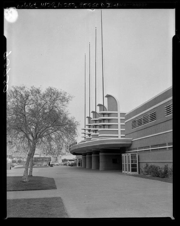 Pan-Pacific_1956.jpg (599×750)