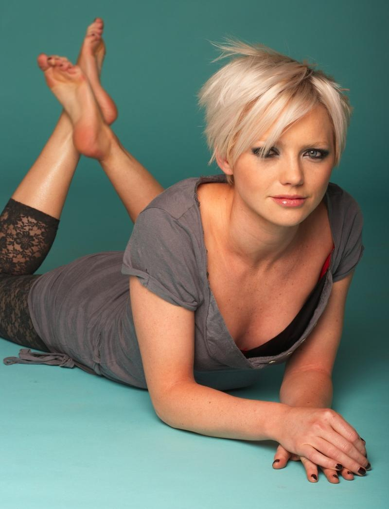 blondes,women blondes women leggings barefoot short hair hannah spearritt 3328x4356 wallpaper – blondes,women blondes women leggings barefoot short hair hannah spearritt 3328x4356 wallpaper – Legs Wallpaper – Desktop Wallpaper