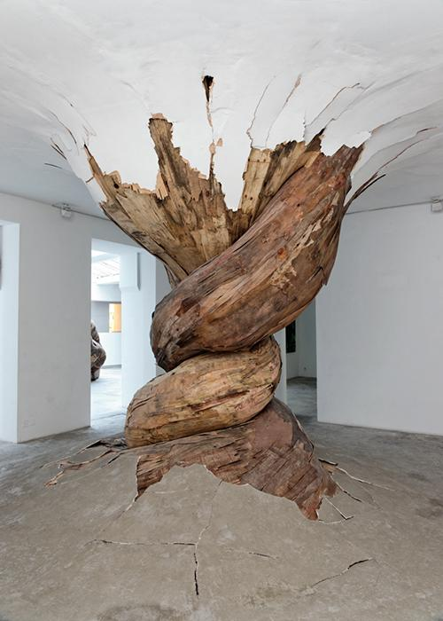 The Incredible Wood Sculptures of Henrique Oliveira | flylyf