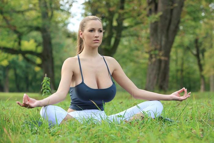 Jordan Carver big boobs outdoor exercise