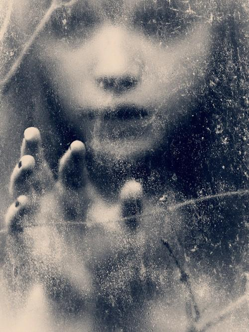 un monde flou / haunting~